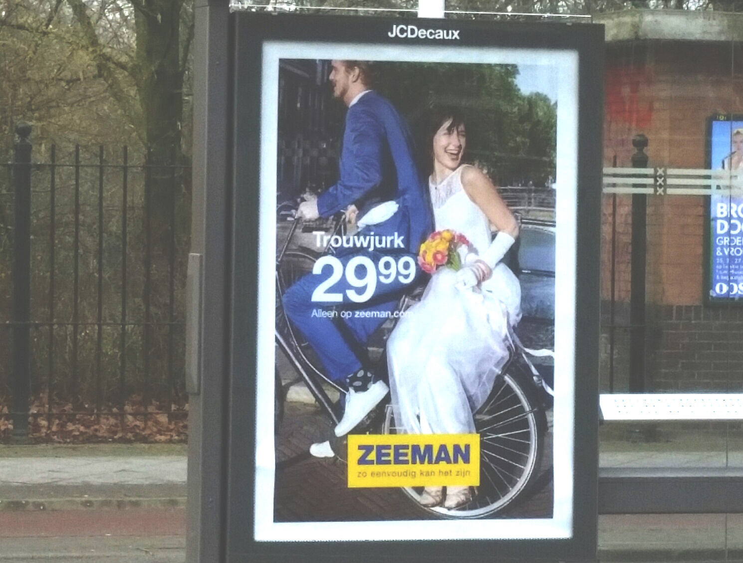 Abri, Marketing, Zeeman, bruidsjurk, guerrilla, free publicity